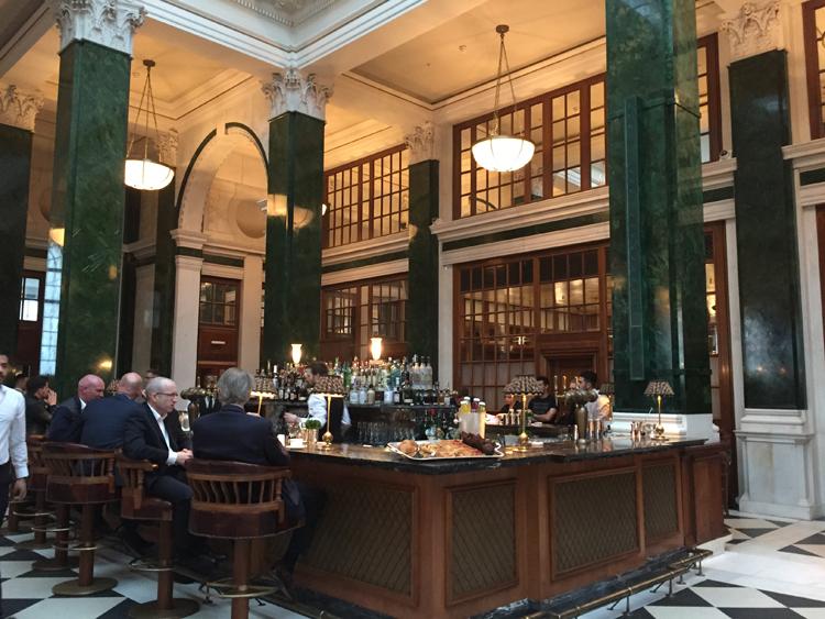 The ground floor features 7 bars & restaurants
